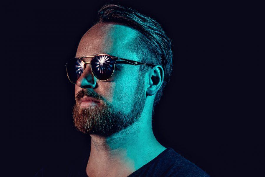 DJ fotografiert im Studio
